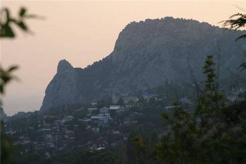 Легенда горы Кошка и достопримечательности Симеиза